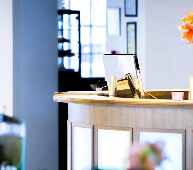 monitores de diseño para áreas de recepción