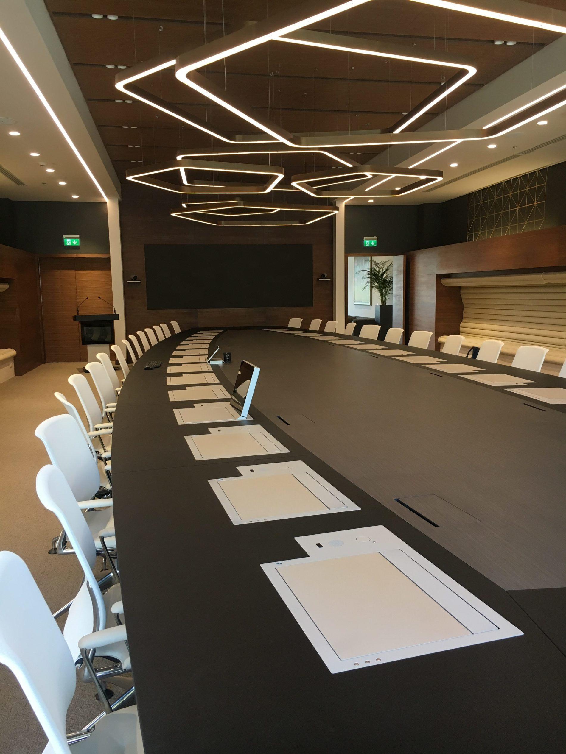 elegant innovative monitors for boardrooms